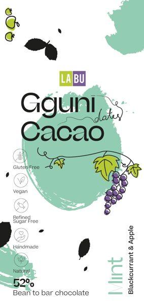 NOVEDAD. 52% Chocolate con Menta con trocitos de LABU puré secado de Grosellas negras y Manzana. Endulzado con dátiles. Vegano. TEXTURA SUAVE